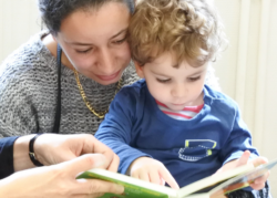 (Note IPP n°59) Inégaux dès le berceau : des SMS pour améliorer les interactions langagières entre parents et enfants de familles défavorisées ?